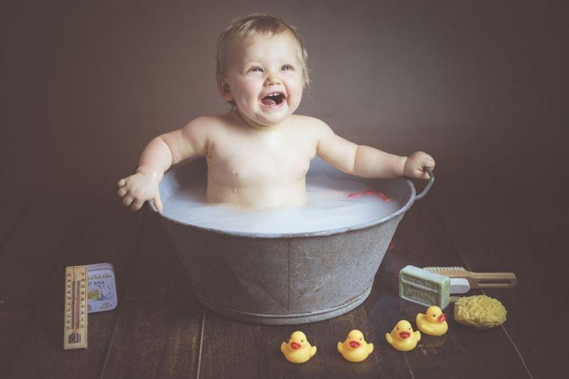 bain-de-lait-fille-1-an-studio