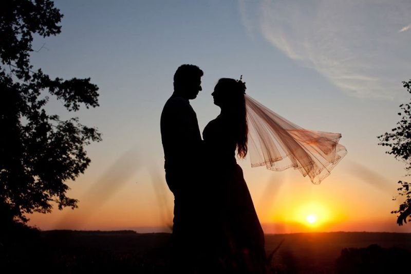 5-Silhouette-amoureux-Photographe-Ardennes-couple-coucher-soleil