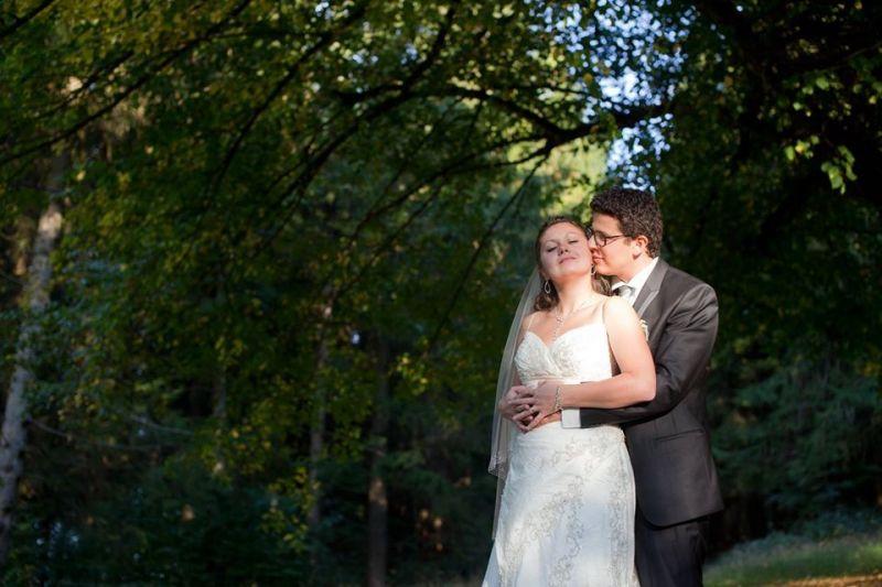 Photographe-couple-après-le-mariage-forêt-Ardennes