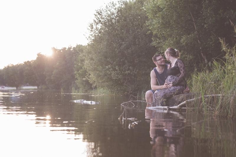 Portraits-grossesse-Ardennes-nature-Lac-Vieilles-Forges