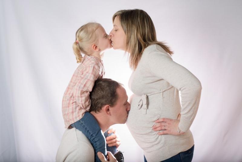 Portraits-grossesse-Ardennes-studio-famille